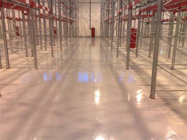 Топпинговые полы для складского строительства